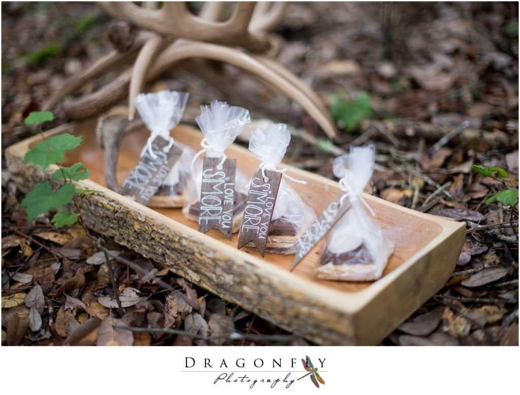 Dragonfly Photography Lifestyle Wedding and Portrait Photography Woods Smores Wedding Favors Details Insperation_0002