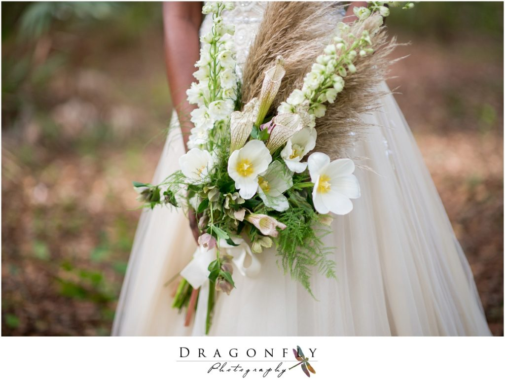 Dragonfly Photography Lifestyle Wedding and Portrait Photography Woods Wedding Dress and Details Insperation_0010