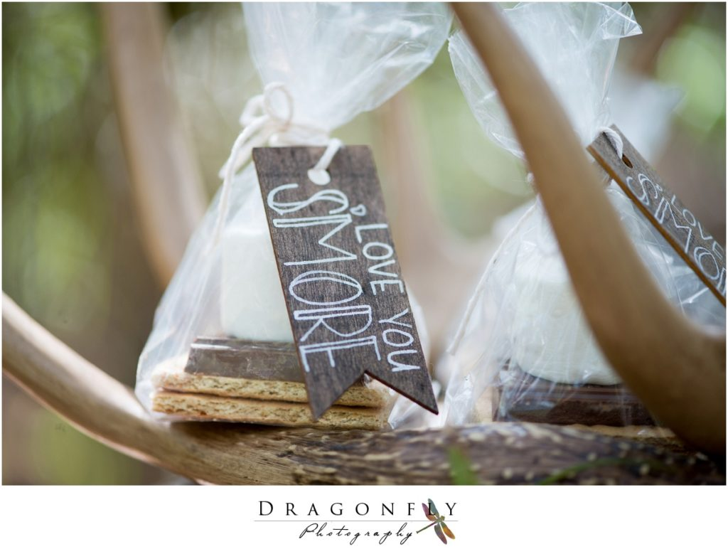 Dragonfly Photography Lifestyle Wedding and Portrait Photography Woods Wedding Dress and Details Insperation_0024