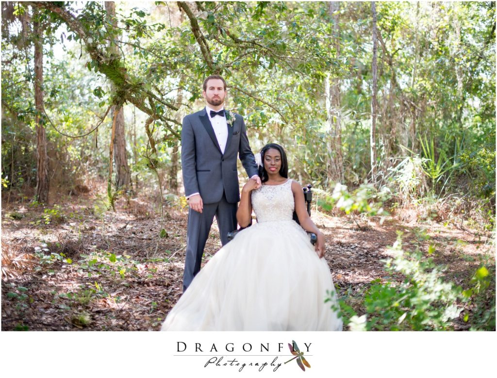 Dragonfly Photography Lifestyle Wedding and Portrait Photography Woods Wedding Dress and Details Insperation_0032