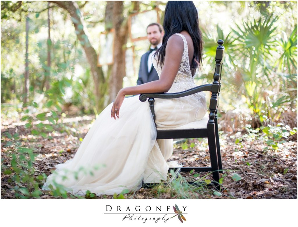 Dragonfly Photography Lifestyle Wedding and Portrait Photography Woods Wedding Dress and Details Insperation_0044