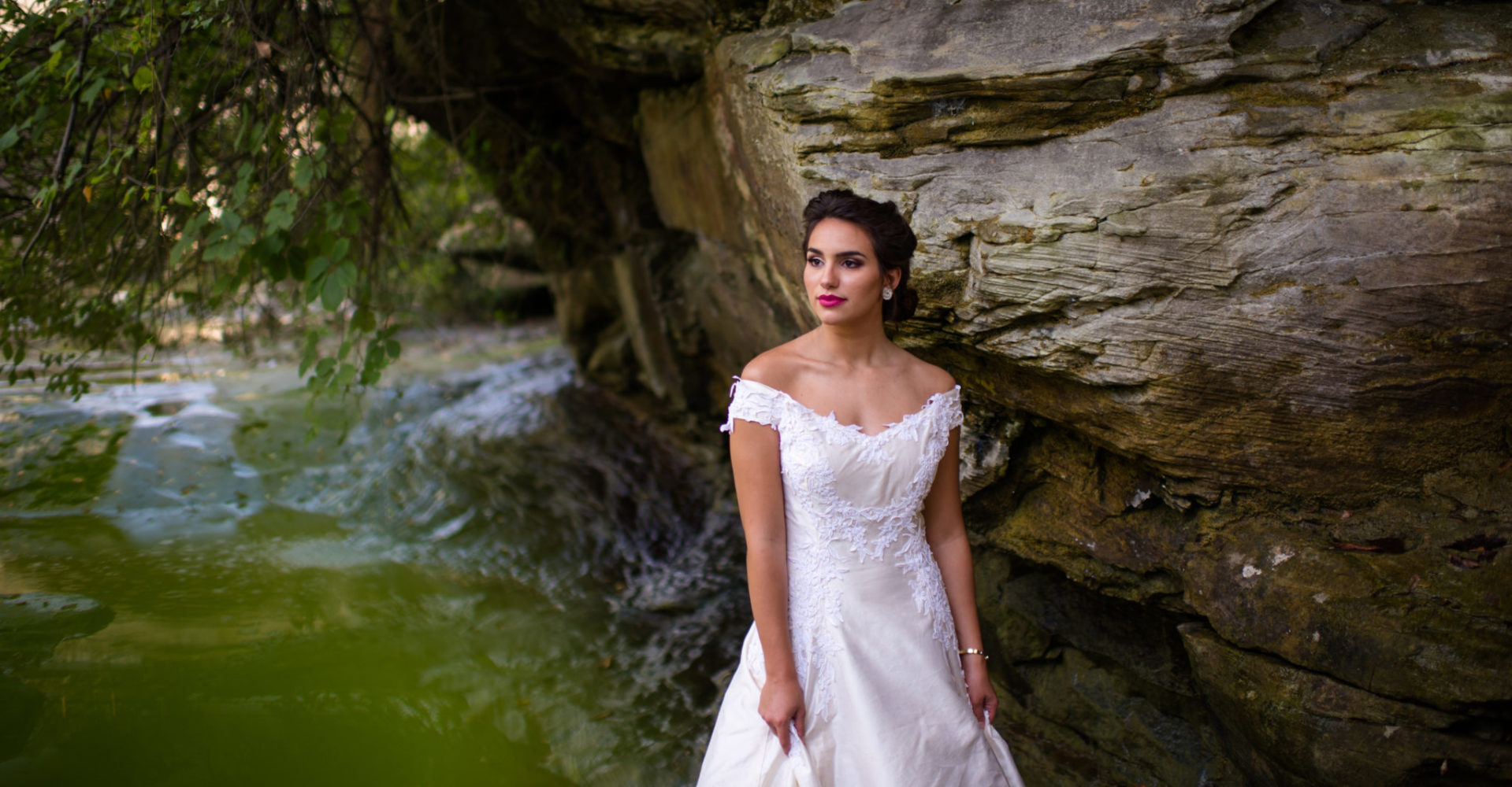 Outdoor Wedding Photography Bride by Cliffs Photo